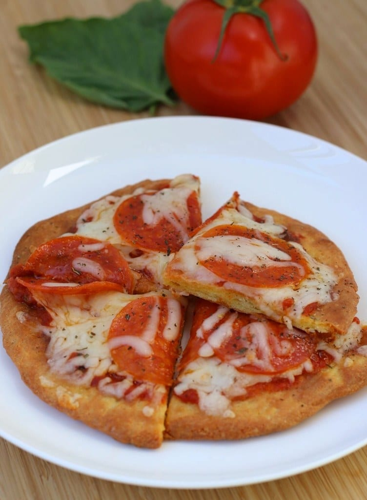 Quick and Easy Personal Low Carb Pizza IMG_8059_preview