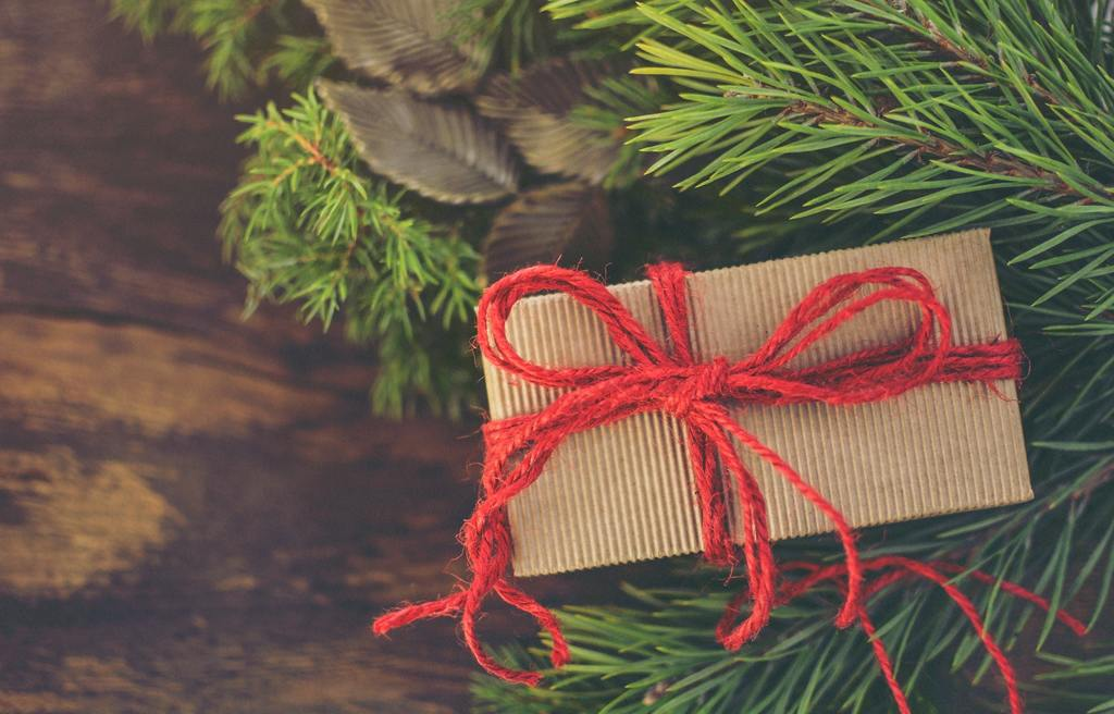 This Keto holiday gift guide list will help you find the perfect gift!