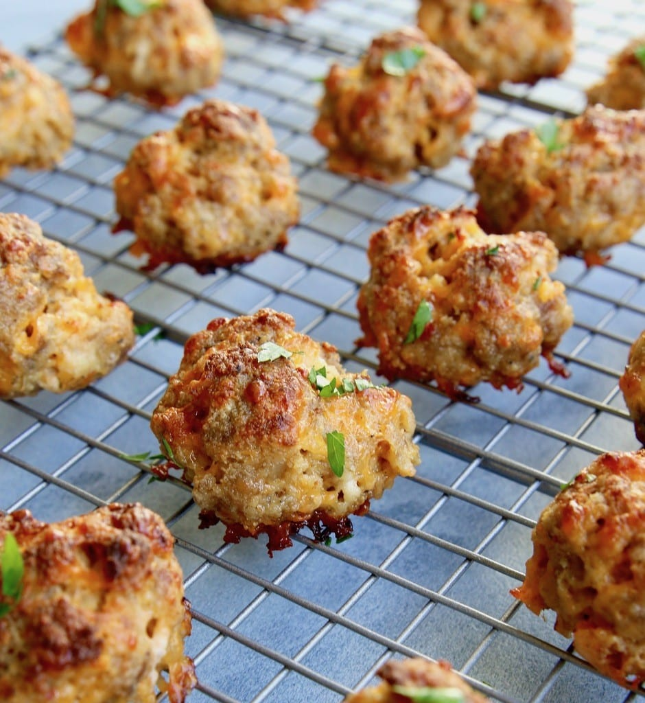 Recipe for quick and easy keto sausage balls that are absolutely delicious!