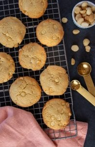 Keto white chocolate macadamia nut cookies recipe.