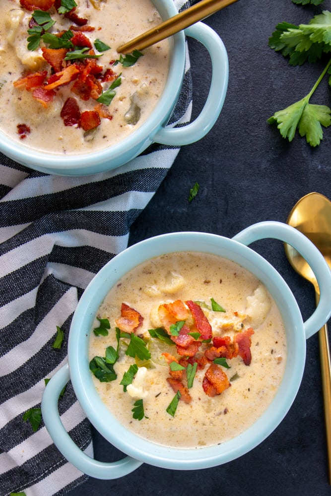 This Keto Clam Chowder recipe is on your table in under 45 minutes.