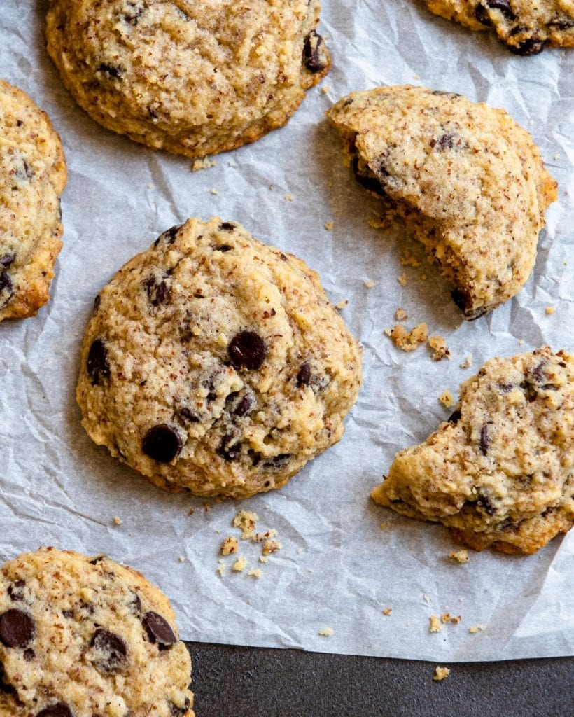 Recipe for making keto chocolate chip cookies.